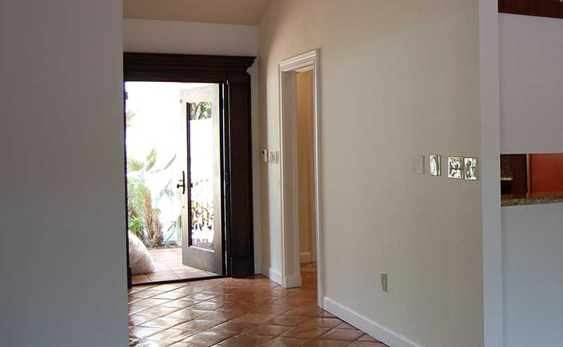 Greenflower Court Entry Way Vacant Home Staging | Home Staging Services Naples Home Staging Before & Afters