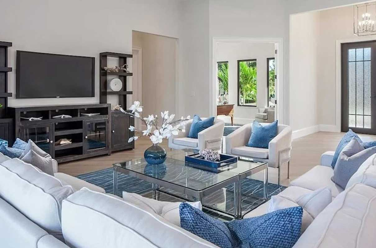 Knoll landing living room staged by Naples Home Staging | Home Staging Services Southwest Florida