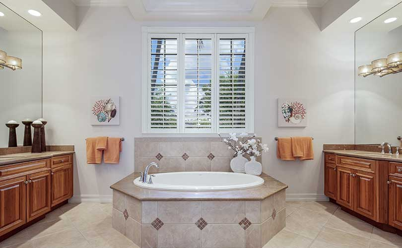 Pelican Marsh Master Bathroom Furnished Home Staging | Home Staging Services Naples Home Staging Before & Afters